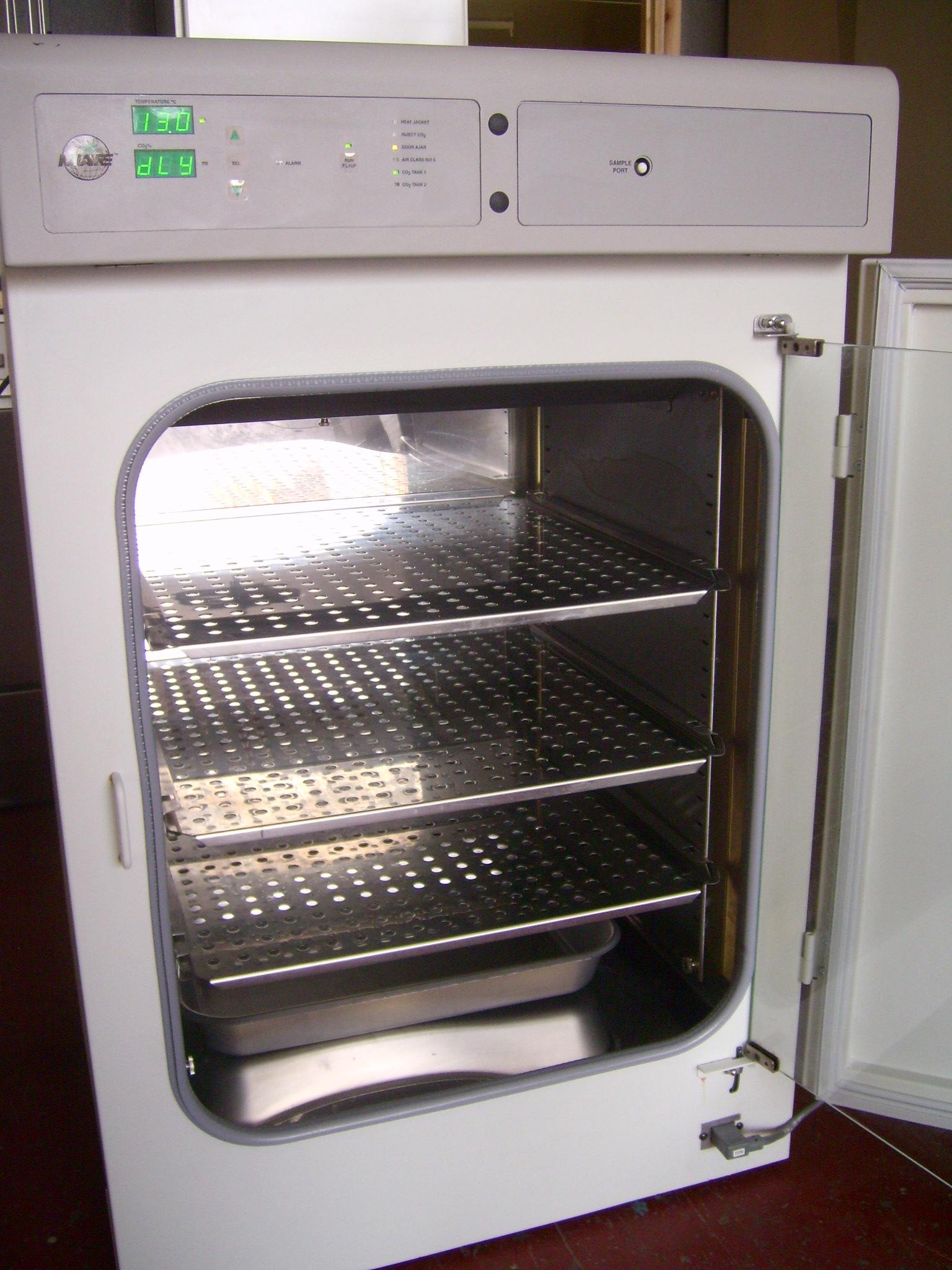 used incubators  co2
